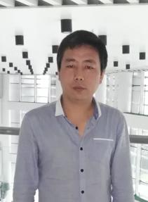 <p>资深WEB设计师</p>                 <p>闫龙</p>